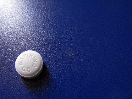 Dudas sobre si tomar un 'Aspirina' al día ayuda a prevenir un primer ataque al corazón o derrame cerebral