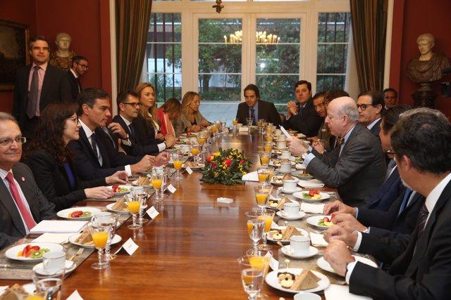 El presidente del Gobierno, Pedro Sánchez, se reúne con empresas en Chile