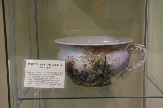 Imagen de uno de los orinales del museo