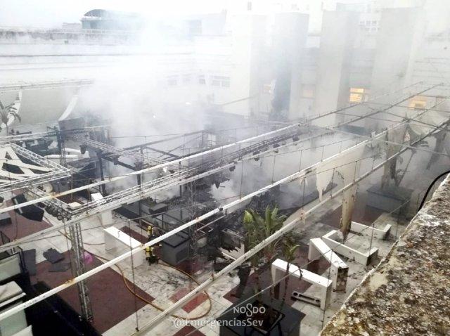 Interior de la discoteca de verano donde se ha registrado el incendio