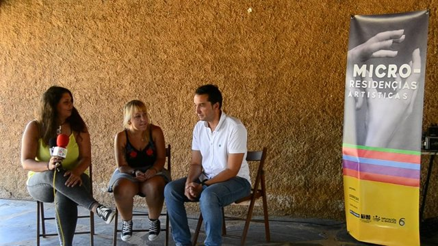 Cabezas visita el proyecto Micro-Residençias Artísticas