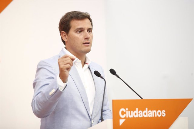 El presidente de Ciudadanos, Albert Rivera, ofrece una rueda de prensa tras la r