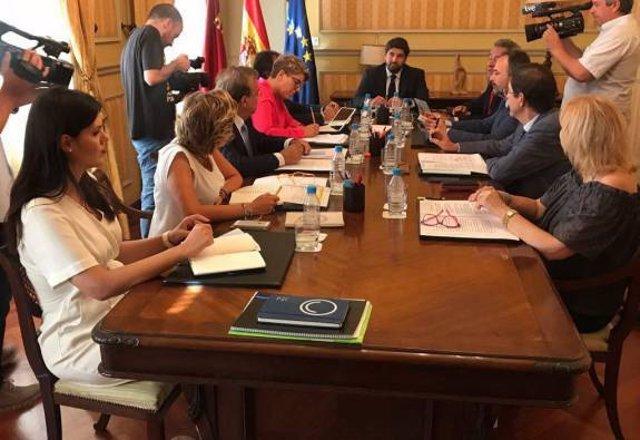 Imagen reunión del Consejo de Gobierno en Cartagena con López Miras a la cabeza