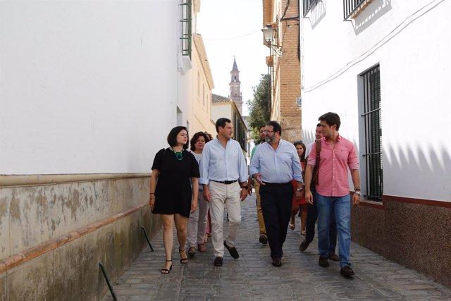Dirigentes del PP visitando el centro de menores de Carmona, en Sevilla
