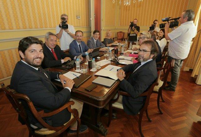 López Miras reunión Consejo de Gobierno en Cartagena