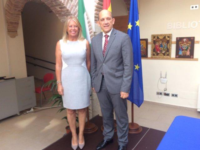 La alcaldesa de Marbella, Ángeles Muñoz y el concejal de Hacienda