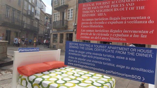 Campaña de concienciación por un turismo justo en Santiago