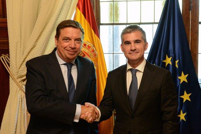 El ministro Luis Planas y el consejero de Agua, Miguel Ángel del Amor
