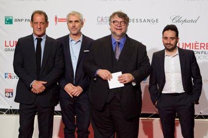 Guillermo del Toro promete que no favorecerá a su amigo Alfonso Cuarón en Festival de Cine de Venecia