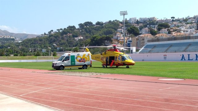 Estadio de Almuñécar desde el que se trasladó a un niño herido