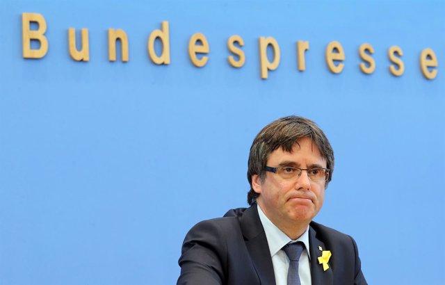 El expresidente de Cataluña Carles Puigdemont da una conferencia de prensa en Be