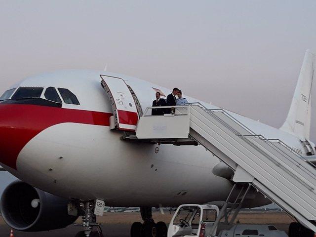 Pedro Sánchez llega al aeropuerto de Bolivia