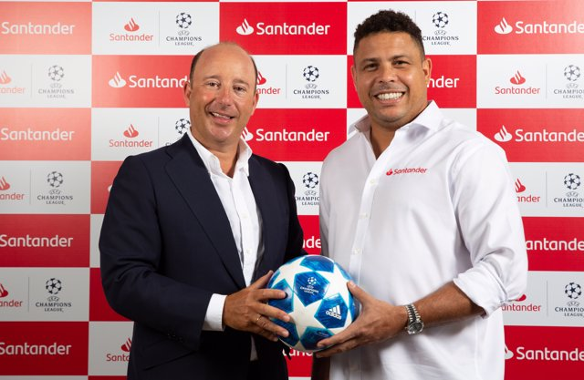 Juan Manuel Cendoya (Banco Santander) y Ronaldo