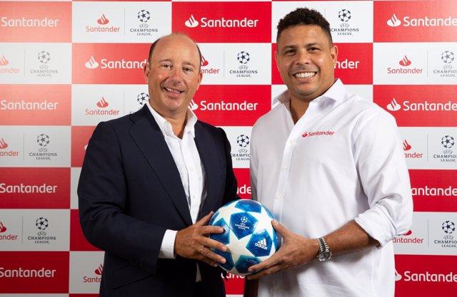 Ronaldo Nazario ficha como Embajador de Banco Santander