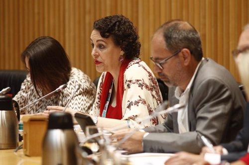 La ministra de Trabajo, Migraciones y Seguridad Social, Magdalena Valerio, compa