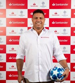 Ronaldo Nazario, nuevo embajador de Banco Santander para la Champions