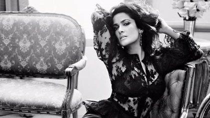 La actriz mexicana Salma Hayek renueva sus votos matrimoniales en Bora Bora