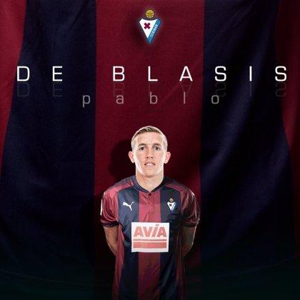 El extremo argentino De Blasis ficha por el Eibar por dos temporadas