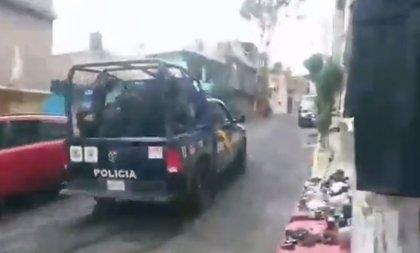 Graban a una patrulla atropellando a un perro en México y causa indignación en las redes