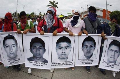 Forenses argentinos aseguran que no hay indicios que sustenten que los 43 normalistas de Ayotzinapa fueron incinerados