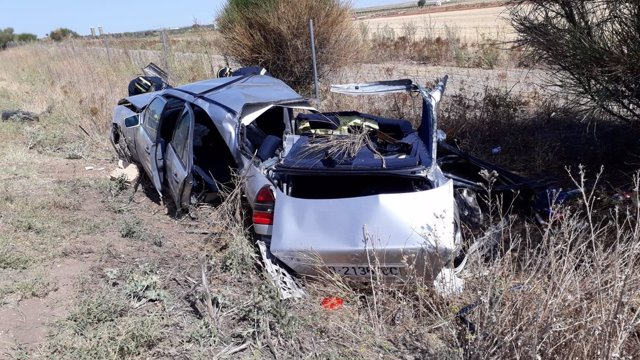 Estado de uno de los vehículos accidentados