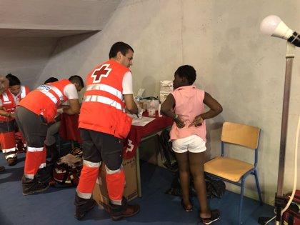 El Gobierno concede más de 18,7 millones de euros a Cruz Roja para atender a las personas migrantes