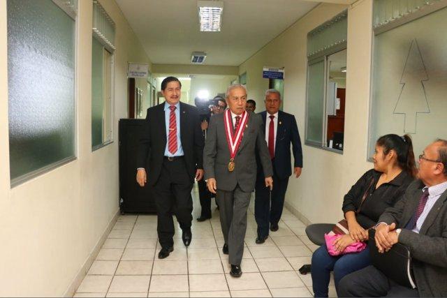 El fiscal de la Nación peruano, implicado en trama de corrupción