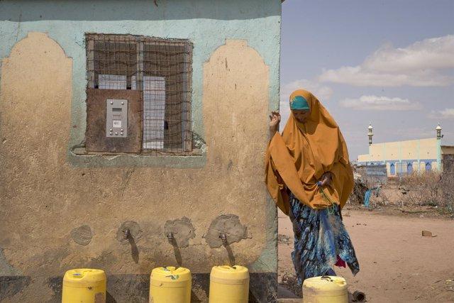 Un 'cajero' de agua en Kenia