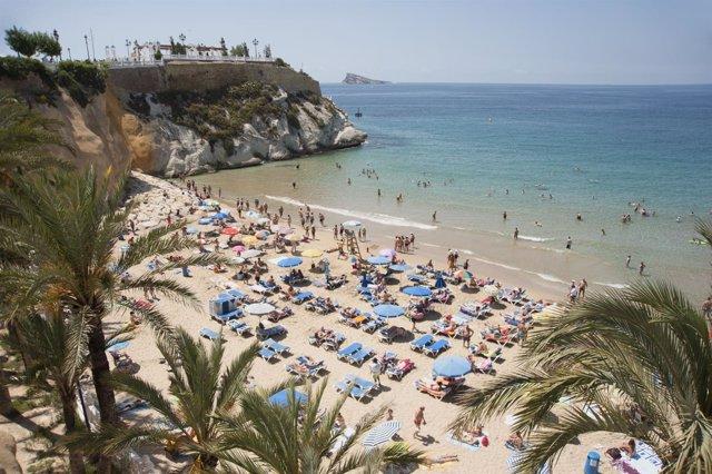 Turistas, playa, sol, verano