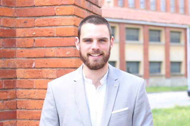 Julen Perales, graduado de la UPNA, que ha realizado prácticas en REAS.