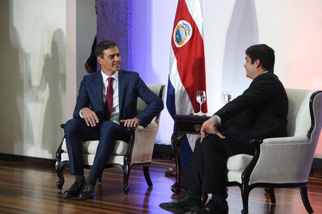 Pedro Sánchez y Carlos Alvarado