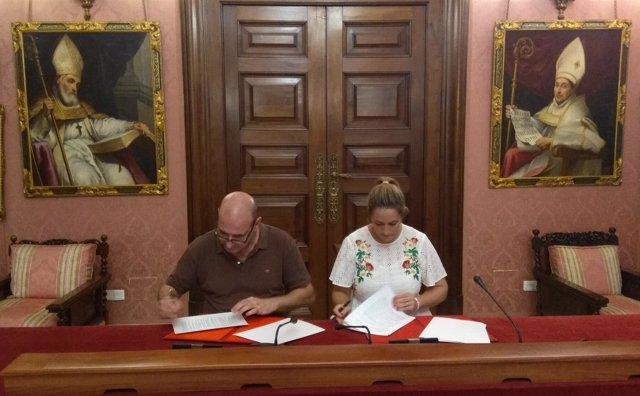 Ayuntamiento y Asongd impulsan 'Sevilla Coopera'