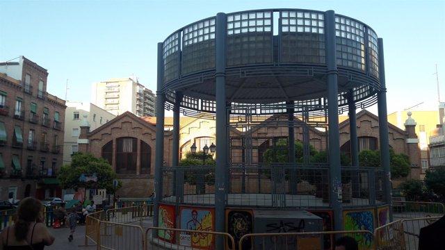 Templete José Menese en el barrio de Puerta del Ángel
