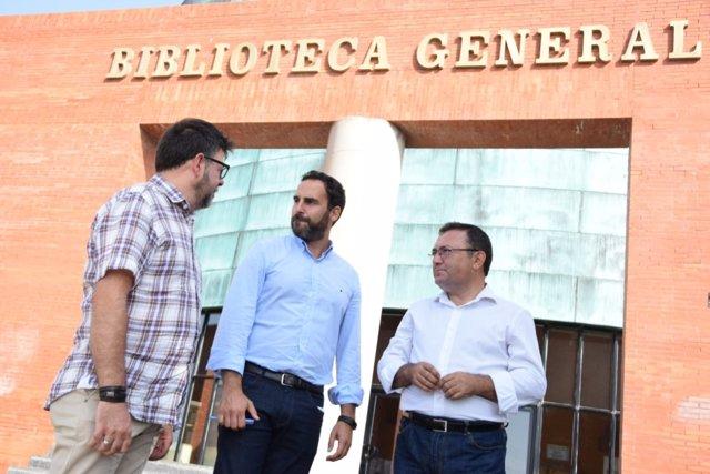 Pérez y Heredia en la Biblioteca General de la UMA