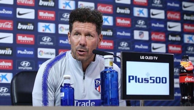 Simeone, entrenador del Atlético de Madrid, durante una rueda de prensa