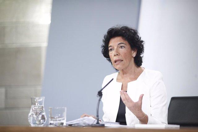 La portavoz del gobierno, Isabel Celaá, comparece después del Consejo de Ministr