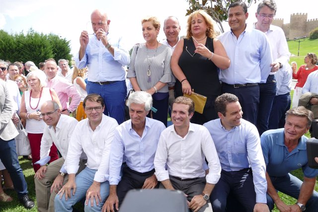 Casado y Mañueco con presidentes provinciales del PP