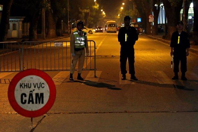 Policía de Vietnam en Hanoi