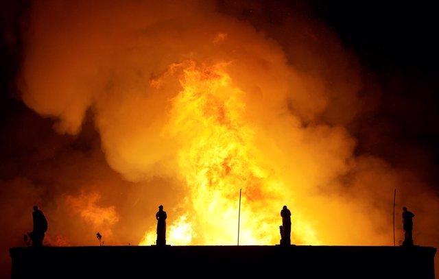 Las llamas devoran el Museo Nacional de Brasil.
