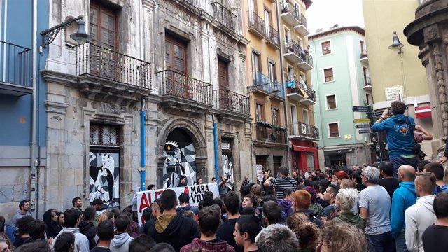 Un grupo de jóvenes vuelven a ocupar el Palacio Marqués de Rozalejo