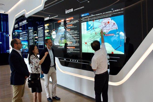 Visita del consejero de Empleo a la Ciudad de la Ciencia de Shanghai