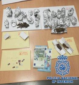 Nota De Prensa: La Policía Nacional Detiene A Un Varón Que Transportaba Una Vari