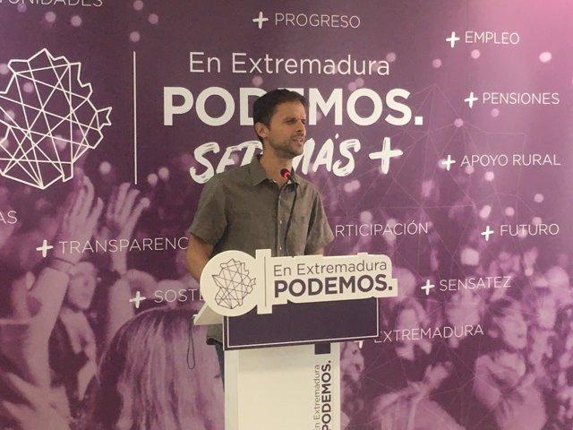 Álvaro Jaén en rueda de prensa este lunes en Mérida