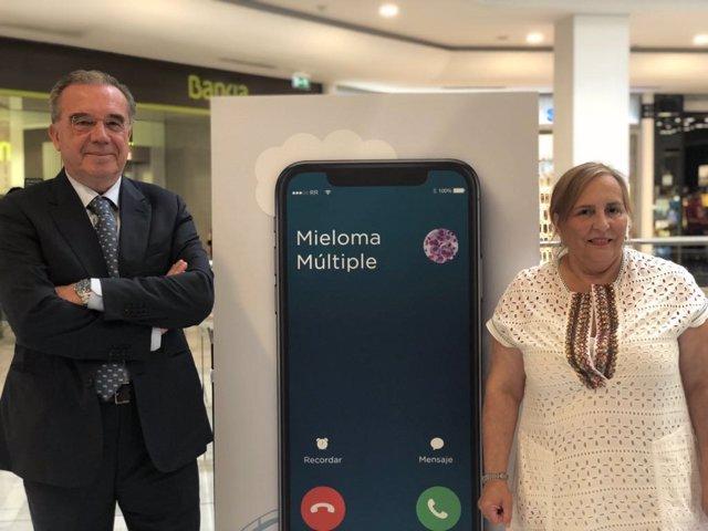 Doctor Adrían Alegre, y la presidenta Teresa Regueiro
