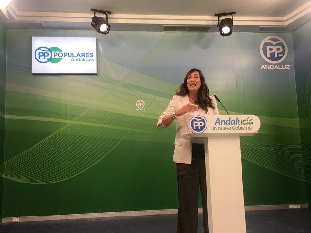 Loles López, del PP-A, en rueda de prensa