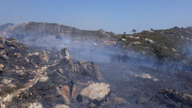 Incendio en el Paraje Valdeinfierno en Los Barrios