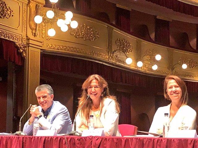 La consellera Laura Borràs en la presentación del Temporada Alta