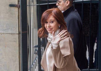 """Cristina Fernández denuncia una """"persecución política"""" en una nueva comparecencia ante el juez"""