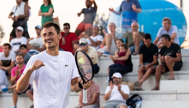 Bernard Tomic celebra un triunfo en el Rafa Nadal Open Banc Sabadell