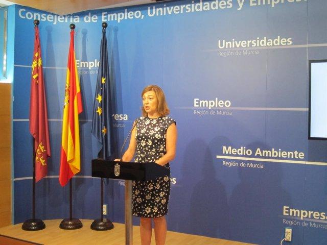 La directora del SEF, Severa González, durante la rueda de prensa